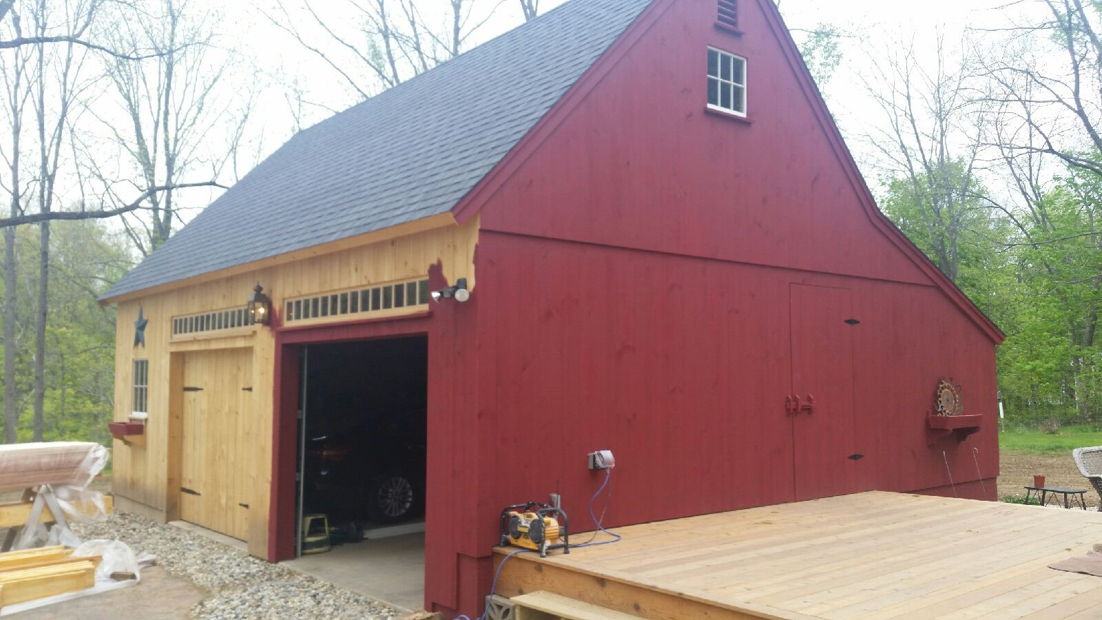 Suffield CT: Garage and Screened in Deck - Home and Hearth Remodeling